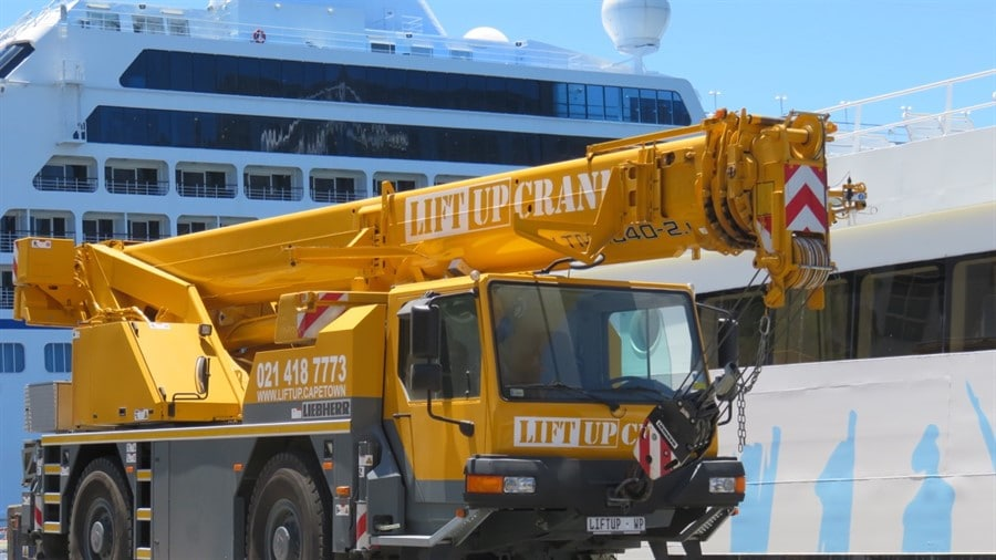 Liebherr crane for hire in Cape Town