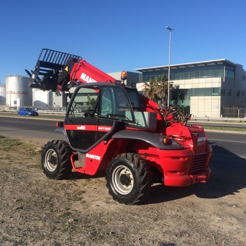 Manitou mobile crane for sale and hire in Cape Town